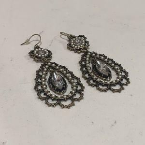 C+ L Pearl & Crystal Filigree earrings lightweight
